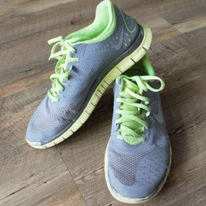 NIKE FREE 4.0 V2 GREY AND GREEN SIZE 9.5